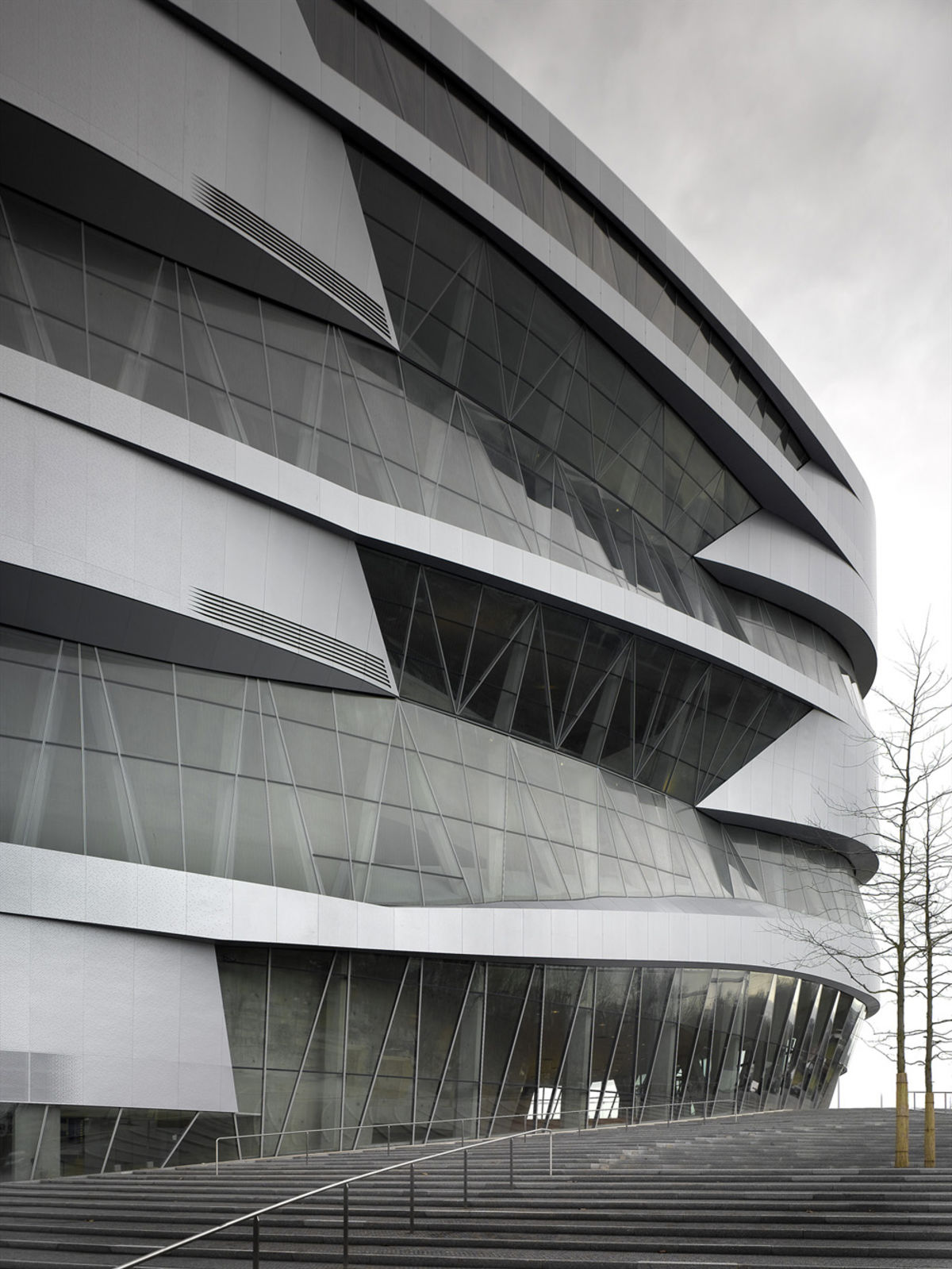 Unstudio wenzel wenzel christian richters mercedes for Mercedes benz museum